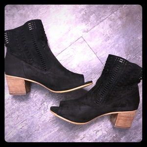 Not Rated Savio Suede Open Toe Heeled Boots